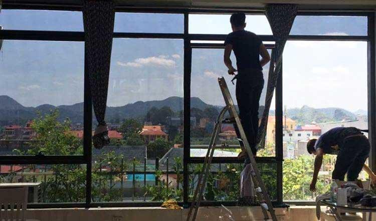 Dán phim cách nhiệt nhà kính cho cửa sổ