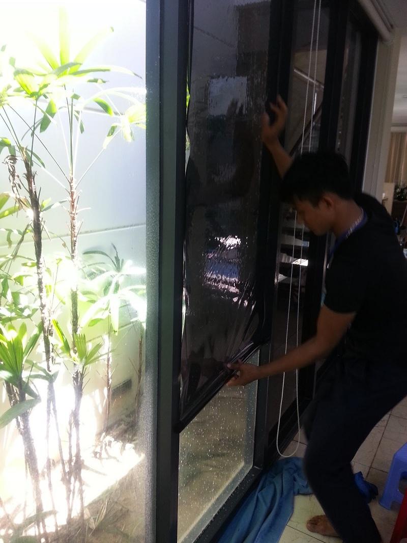 Tuyển thợ thi công decal dán kính tại khu vực Vĩnh Long